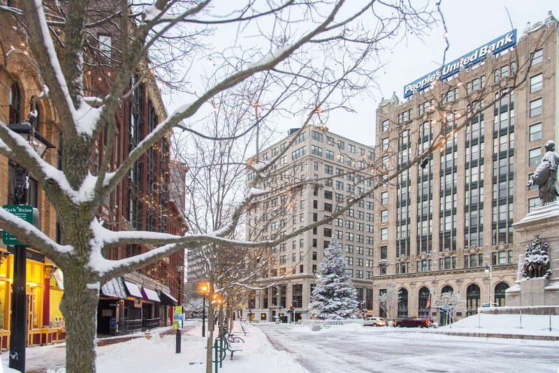 Morning Snow in Monument Square